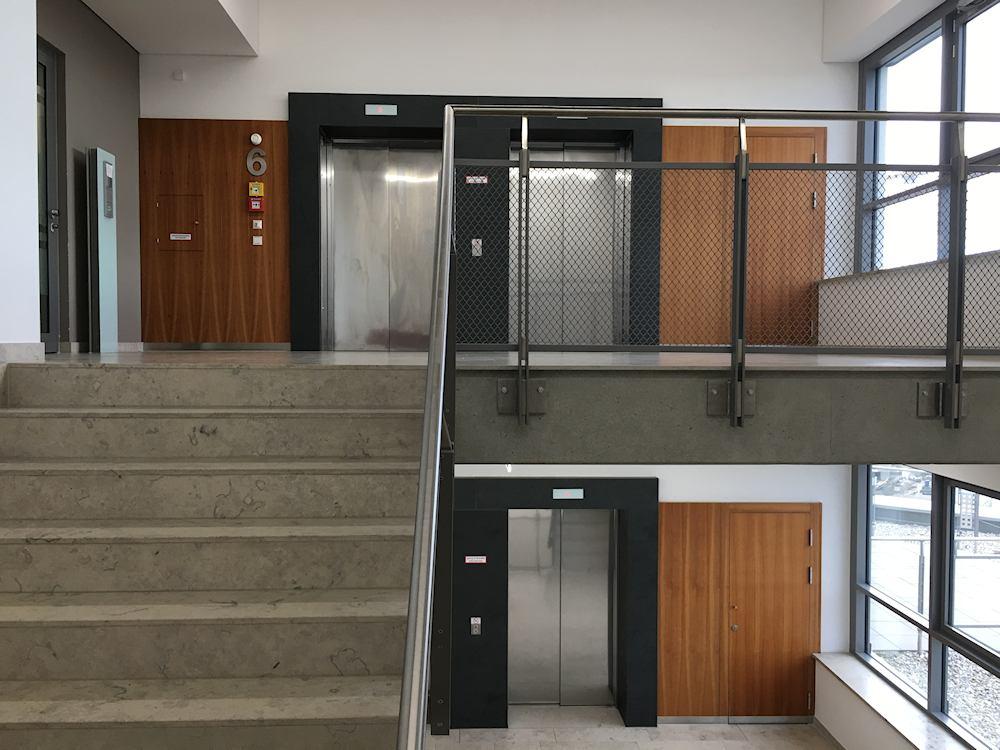 Thomas Schuhmann Innenausbau - Brandschutzwandverkleidungen und Schachtraumtüren in A2 und T90 Bild01