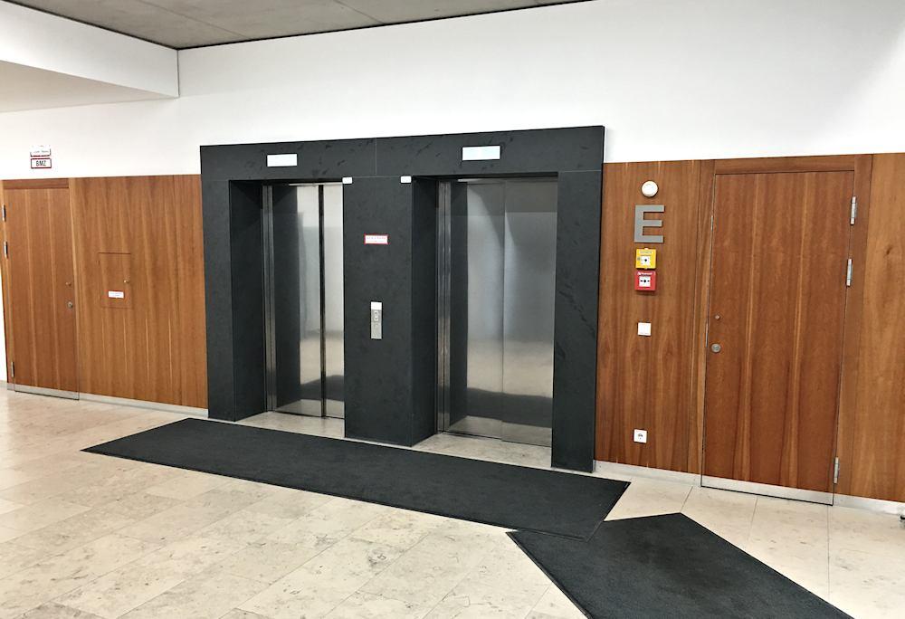 Thomas Schuhmann Innenausbau - Brandschutzwandverkleidungen und Schachtraumtüren in A2 und T90 Bild02