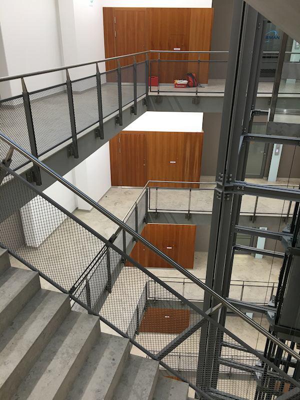 Thomas Schuhmann Innenausbau - Brandschutzwandverkleidungen und Schachtraumtüren in A2 und T90 Bild03