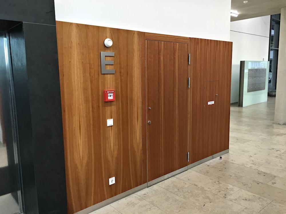 Thomas Schuhmann Innenausbau - Brandschutzwandverkleidungen und Schachtraumtüren in A2 und T90 Bild04